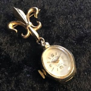 Vintage nurses brooch watch 12 k